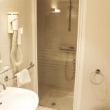 salle-de-bain-chambre-19-hotel-calenzana